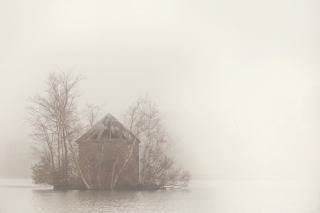 Foggy_Morning_at_the_Lakes.jpg